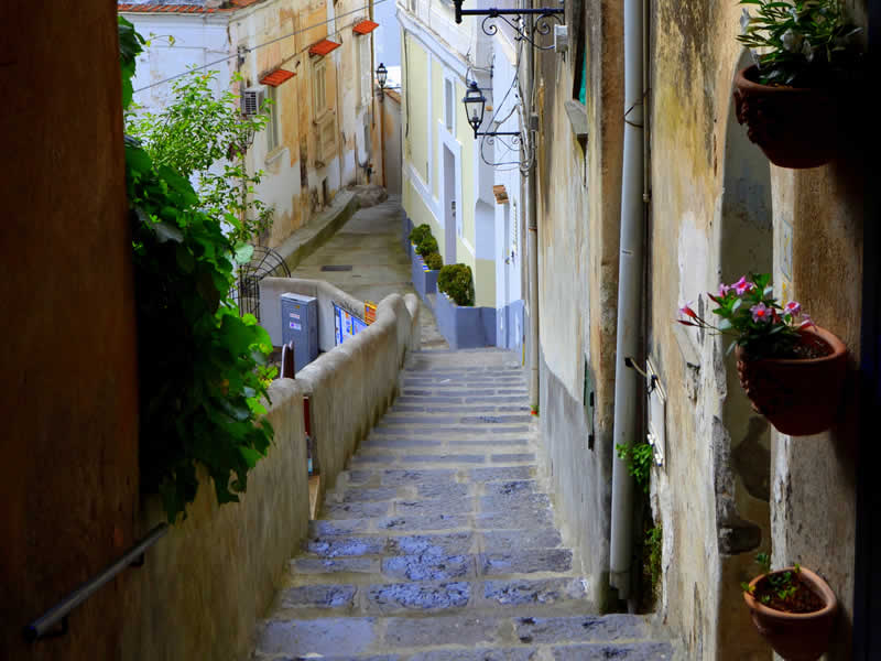 alleys of positano