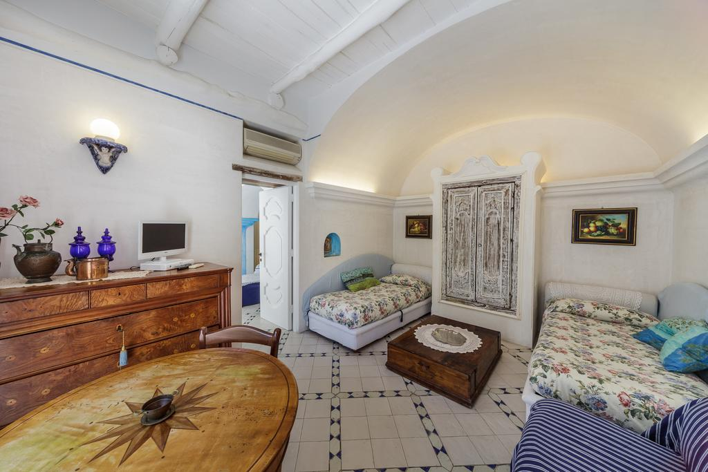 cheap b and b: Positano Suite