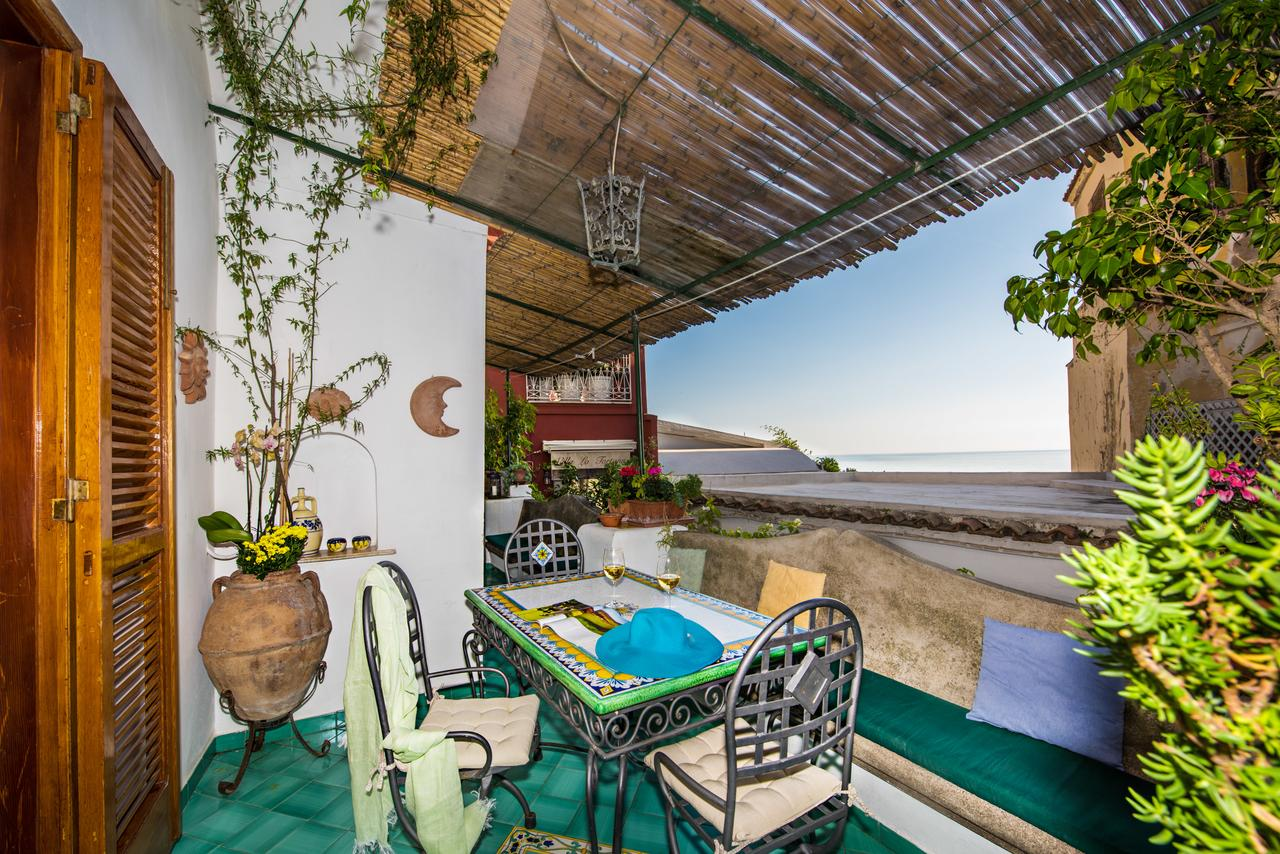 cheap places to stay in positano: Casa Antonio