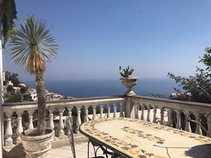lodging in positano italy: Fusco Apartment