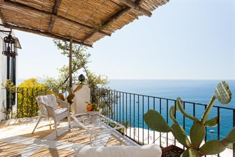 cheap places to stay amalfi coast: Casa Bellevue